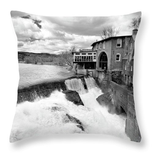 Covered Bridge Throw Pillow featuring the photograph Quechee's Thaw by Greg Fortier