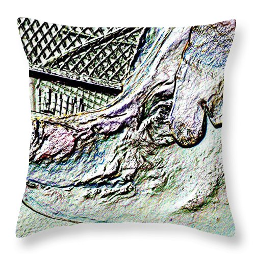 Seattle Throw Pillow featuring the photograph Rachael The Market Pig by Tim Allen
