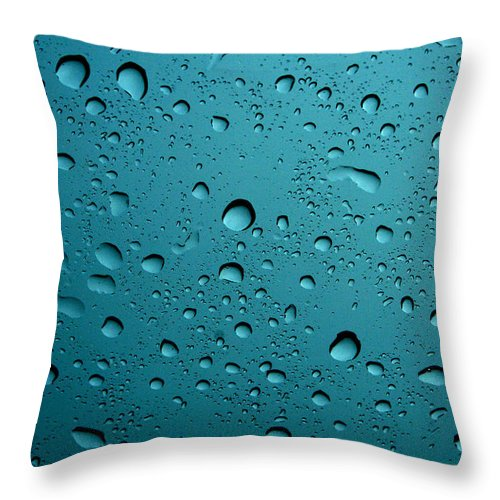 Abstract Throw Pillow featuring the photograph Raindrops by Linda Sannuti
