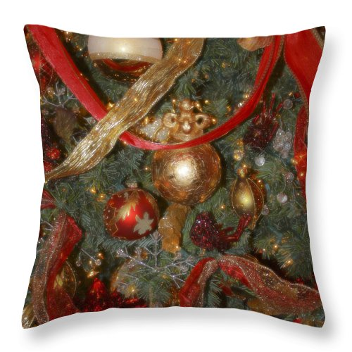 Christmas Throw Pillow featuring the photograph Red Gold Tree No 2 Fashions For Evergreens Event Hotel Roanoke 2009 by Teresa Mucha