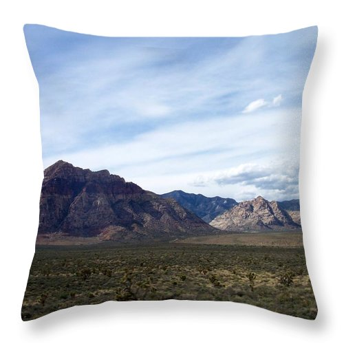 Red Rock Canyon Throw Pillow featuring the photograph Red Rock Canyon 4 by Anita Burgermeister