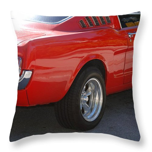 Ford Throw Pillow featuring the photograph Red Stang by Rob Hans