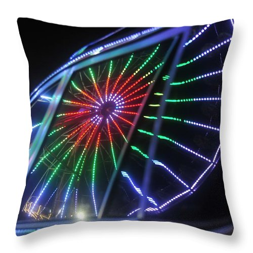 Fair Throw Pillow featuring the photograph Reflections Of Ferris by David Lee Thompson