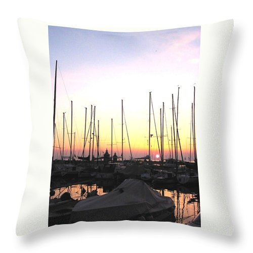 Sea Throw Pillow featuring the photograph Resting Place by Dragica Micki Fortuna