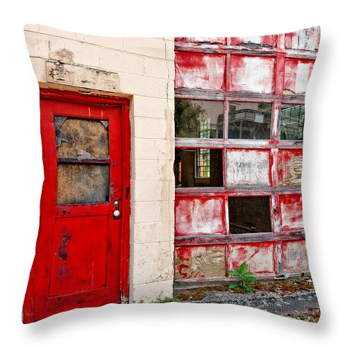 Christopher Holmes Photography Throw Pillow featuring the photograph Retired Garage by Christopher Holmes