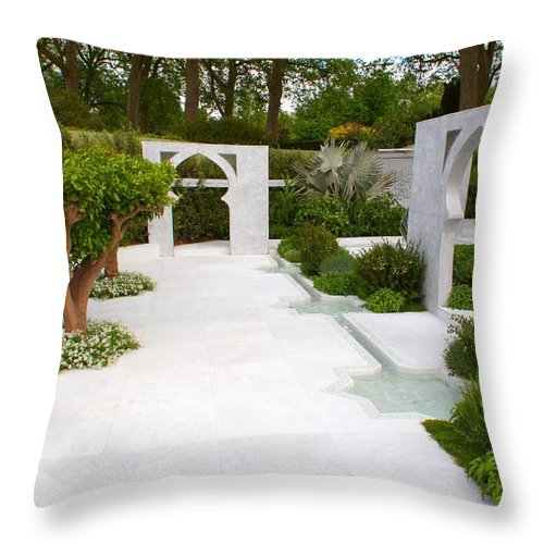Rhs Chelsea Flower Show Throw Pillow featuring the photograph Rhs Chelsea Beauty Of Islam Garden by Chris Day