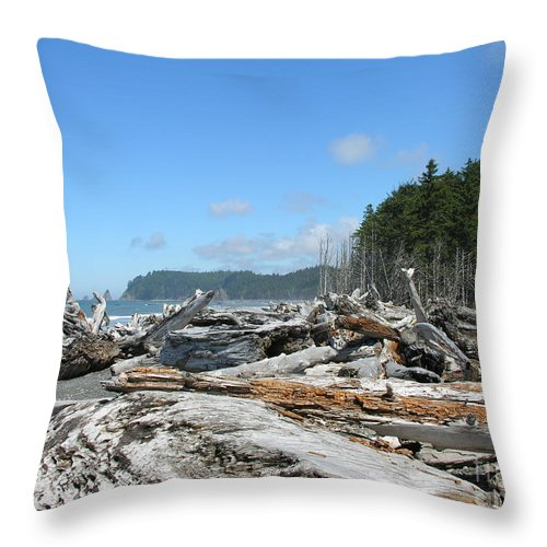 Rialto Beach Washignton Throw Pillow featuring the photograph Rialto Beach Washington by Diane Greco-Lesser