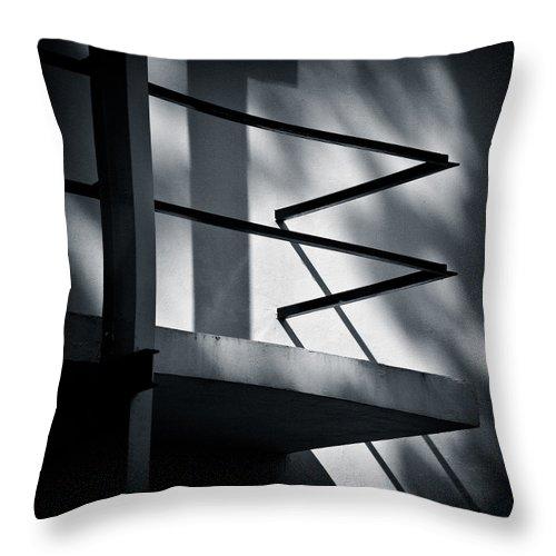 Rietveld Schroderhuis Throw Pillow featuring the photograph Rietveld Schroderhuis by Dave Bowman