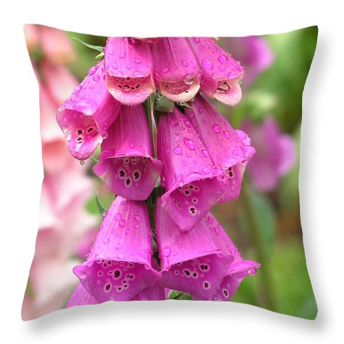Fox Glove Throw Pillow featuring the photograph Ringing Bells by Louise Magno