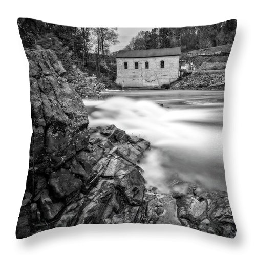 Roanoke Throw Pillow featuring the photograph Roanoke River Flow by Alan Raasch