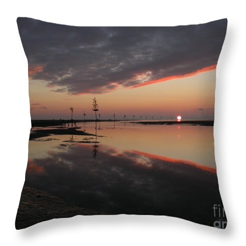 Sunset Throw Pillow featuring the photograph Rock Harbor Sunset by Edward Sobuta