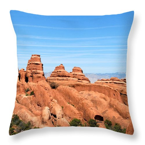 Utah Throw Pillow featuring the photograph Rocksky by David Lee Thompson