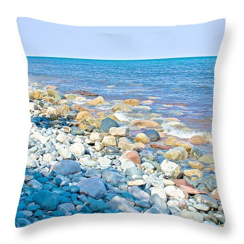 Rocky Lake Superior Shoreline Off North Country Trail In Pictured Rocks National Lakeshore Throw Pillow featuring the photograph Rocky Lake Superior Shoreline Near North Country Trail In Pictured Rocks National Lakeshore-michigan by Ruth Hager