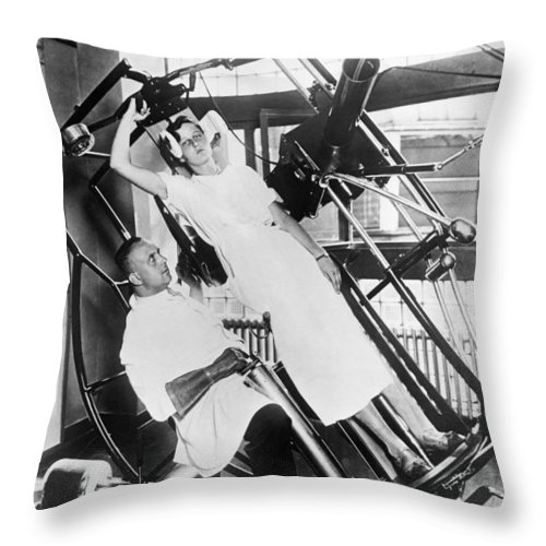 1035-312 Throw Pillow featuring the photograph Roentgen X-ray Machine by Underwood Archives