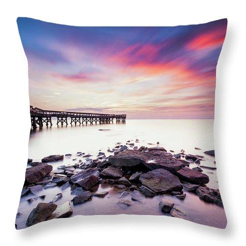 Pinehurst Throw Pillow featuring the photograph Run To The Sun by Edward Kreis