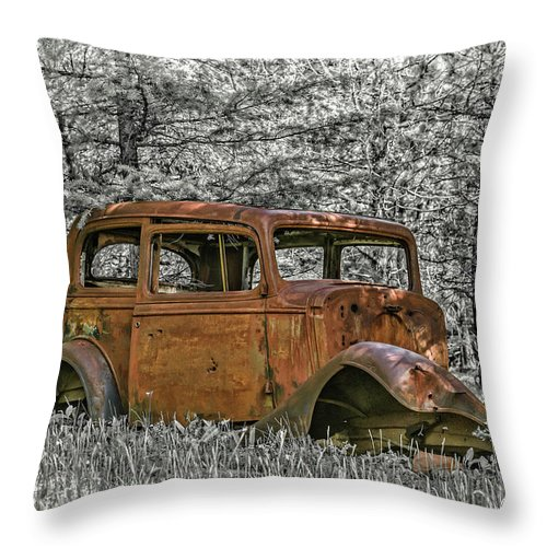 Car Throw Pillow featuring the photograph Rust In Peace by Joe Hudspeth