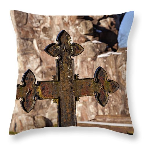 Snow Throw Pillow featuring the photograph Rya Chapel Grave Marker by Sophie McAulay