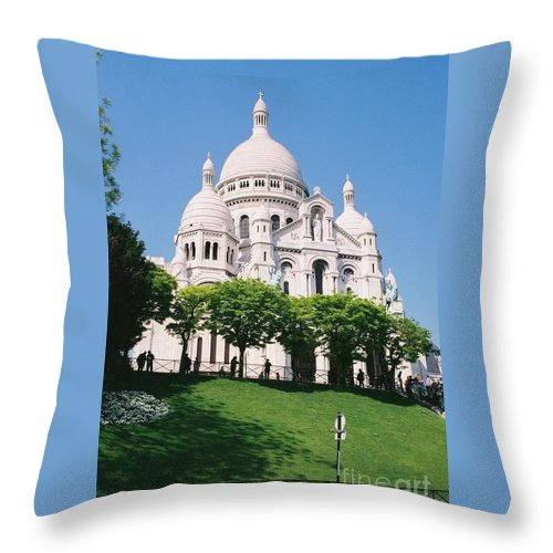 Church Throw Pillow featuring the photograph Sacre Coeur by Nadine Rippelmeyer