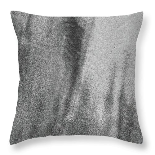 Abstract Throw Pillow featuring the photograph Sand Blend Bw by Lyle Crump