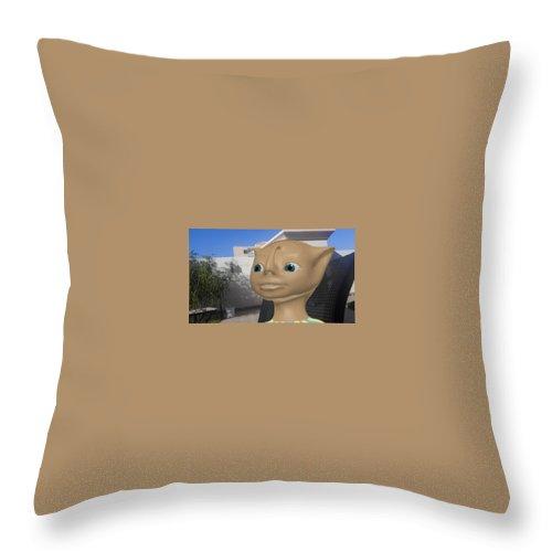 صورة من شخصية كرتونية متحركة تمثل فضائي يزور الارض Throw Pillow featuring the drawing Saudi by Abdullah