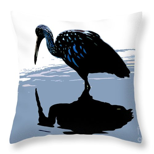 Limp Kin Throw Pillow featuring the photograph Searching by David Lee Thompson