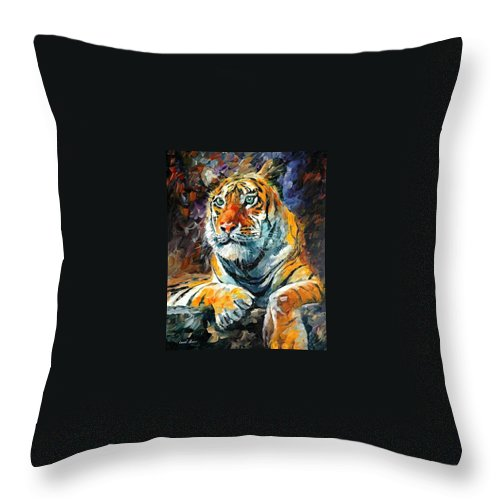Painting Throw Pillow featuring the painting Seibirian Tiger by Leonid Afremov