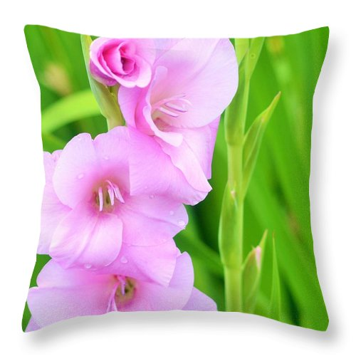 Floral Photography Throw Pillow featuring the digital art Serenity by Danecha Osborne