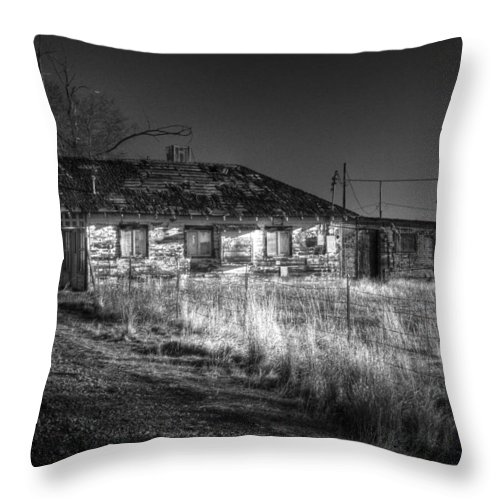 Landscape Throw Pillow featuring the photograph Shaniko Past by Lee Santa