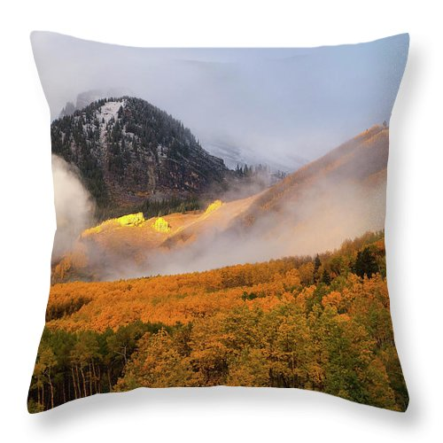 Colorado Throw Pillow featuring the photograph Siever's Mountain by Steve Stuller