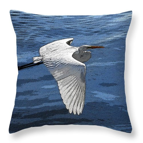Art Throw Pillow featuring the painting Soaring Egret by David Lee Thompson