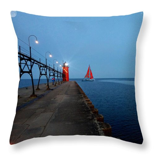 South Haven Throw Pillow featuring the photograph South Haven Lighthouse Pier by Michael Rucker