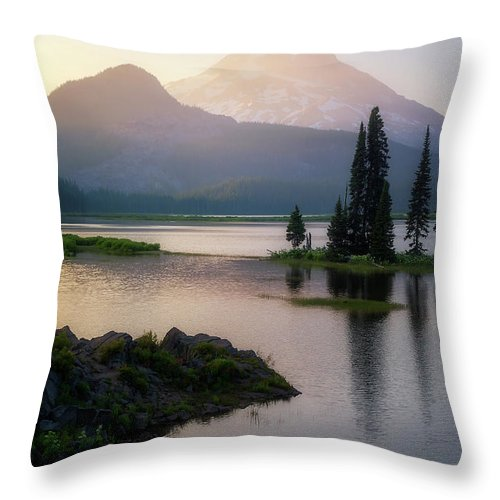 Sparks Lake Throw Pillow featuring the photograph Spark Of Light by Ryan Manuel