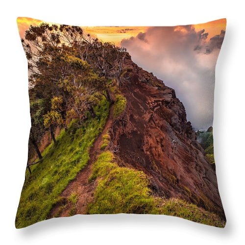 Kauai Throw Pillow featuring the photograph Spellbound by Ryan Smith