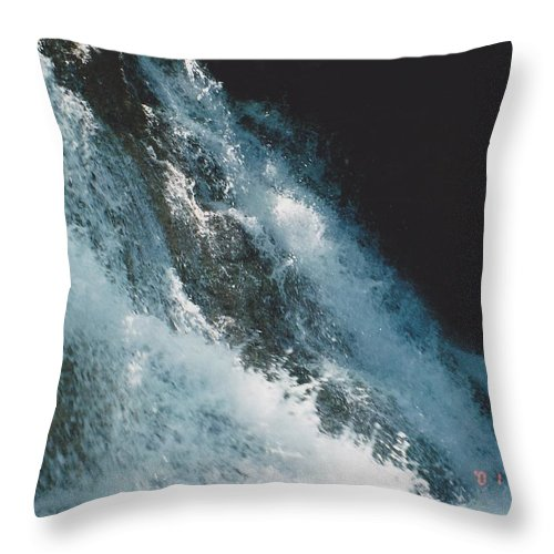 Water Throw Pillow featuring the photograph Splash by Michelle Powell