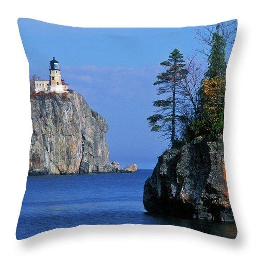 Split Throw Pillow featuring the photograph Split Rock Lighthouse - Fs000120 by Daniel Dempster