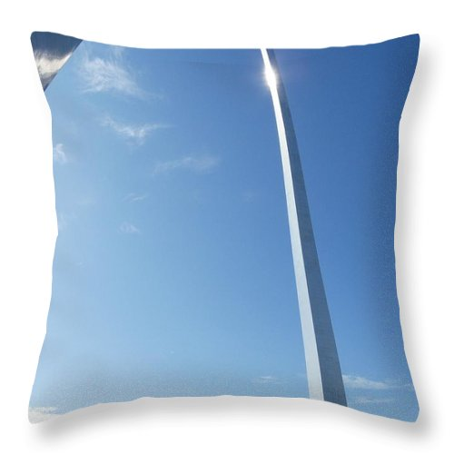 St. Louis Throw Pillow featuring the photograph St. Louis Arch by Peggy King