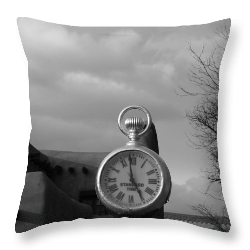 Black And White Throw Pillow featuring the photograph Standard Time by Rob Hans
