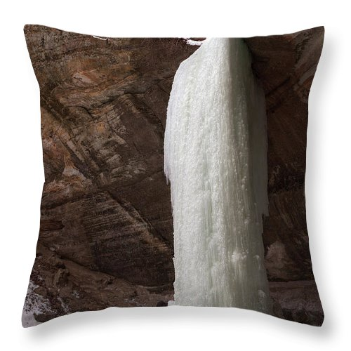 Starved Throw Pillow featuring the photograph Starved Rock Icefall by Steve Gadomski