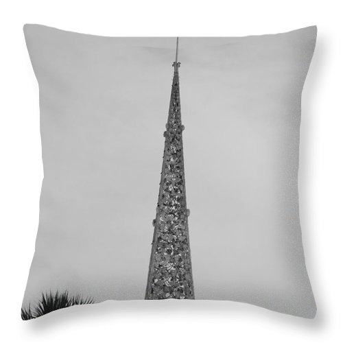 Black And White Throw Pillow featuring the photograph Steeple Cross In Black And White by Rob Hans