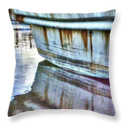 Oregon Throw Pillow featuring the photograph Stern Reflection 2384 by Jerry Sodorff