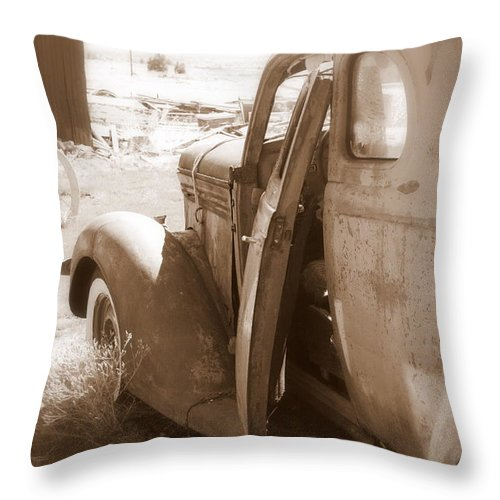 Disrepair Throw Pillow featuring the photograph Still Waiting On Repairs by Carol Groenen