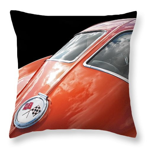 Corvette Stingray Throw Pillow featuring the photograph Stingray Split Window 1963 by Gill Billington
