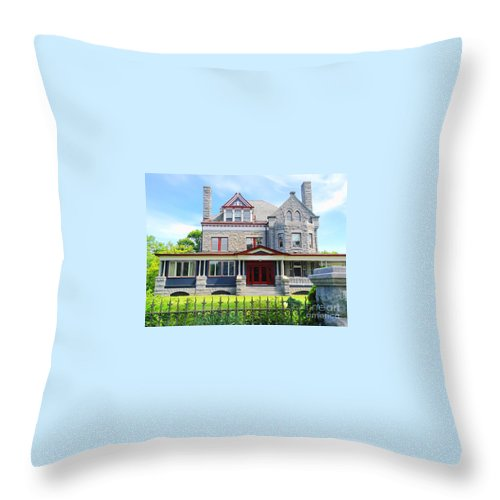 Stone House Throw Pillow featuring the photograph Stone Mansion Red Doors by Becky Lupe