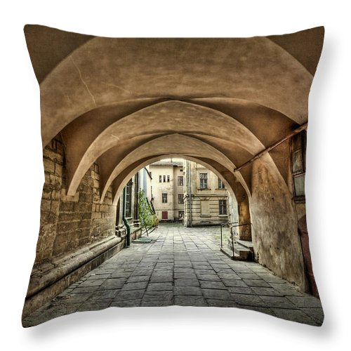 Passage Throw Pillow featuring the photograph Stuck In The Middle by Evelina Kremsdorf