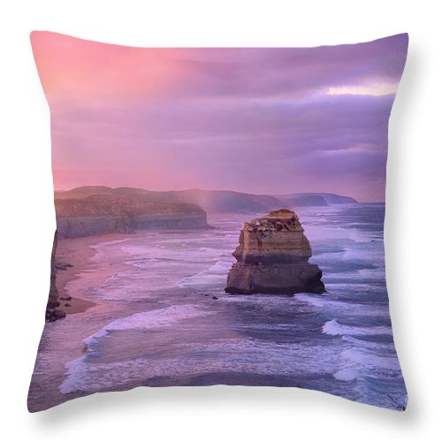 Sunrise Throw Pillow featuring the photograph Sunrise At Gibson Steps by Rosy Kueng