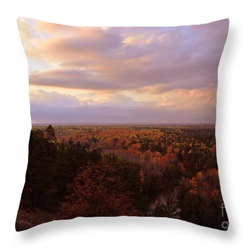 High Rollaways Throw Pillow featuring the photograph Sunrise At The High Rollaways by Terri Gostola