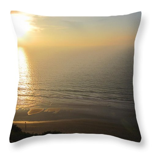 La Jolla Throw Pillow featuring the photograph Sunset At Blacks Beach by Paintings by Parish