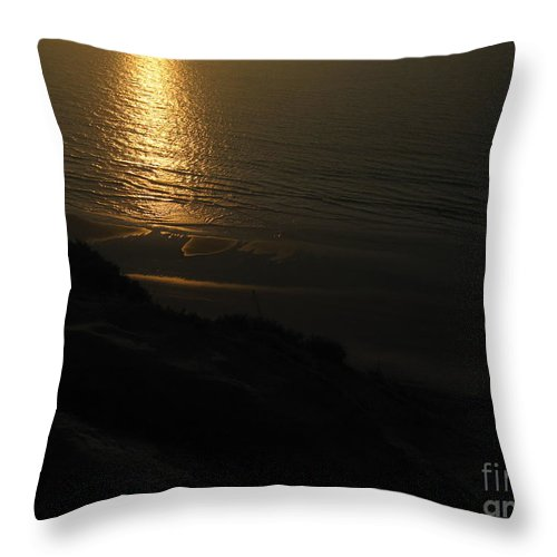 Blacks Beach Throw Pillow featuring the photograph Sunset At Blacks Beach by Paintings by Parish