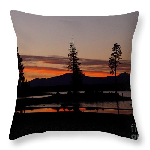 Lake Almanor Throw Pillow featuring the photograph Sunset At Lake Almanor 02 by Peter Piatt