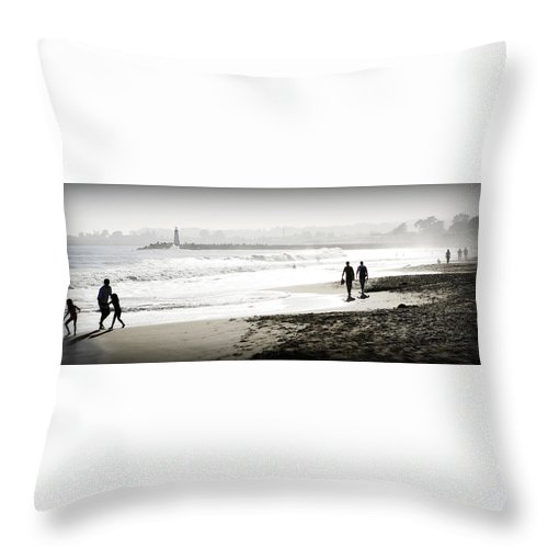 Men Throw Pillow featuring the photograph Surreal Beach by Marilyn Hunt